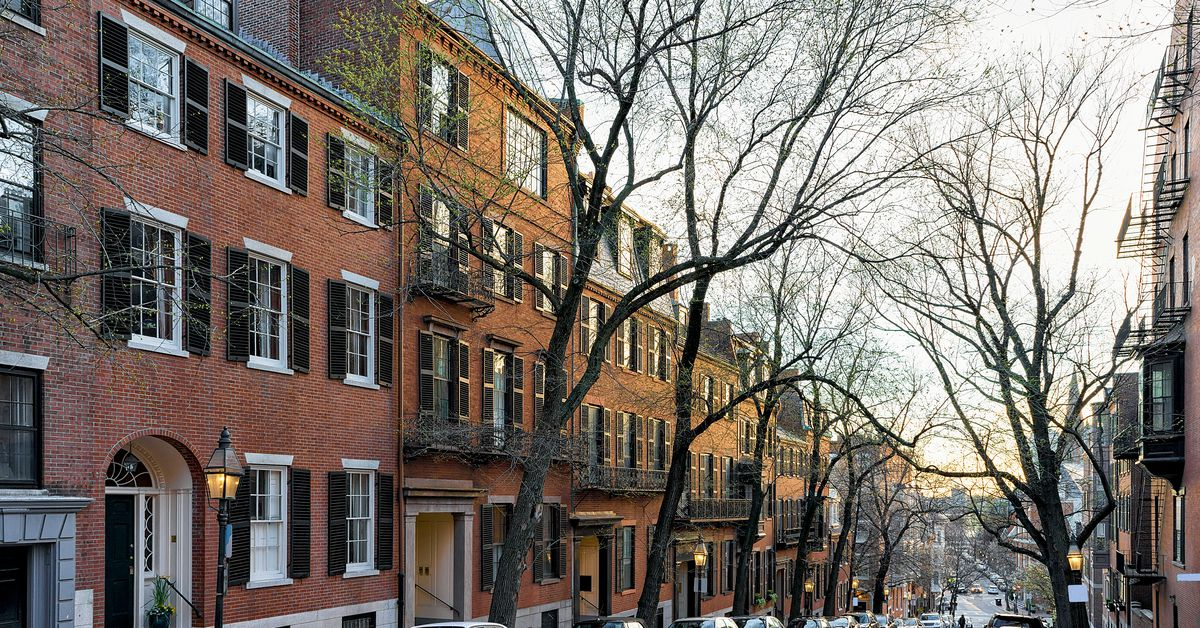 Downtown Boston townhouse sales decline as prices rise