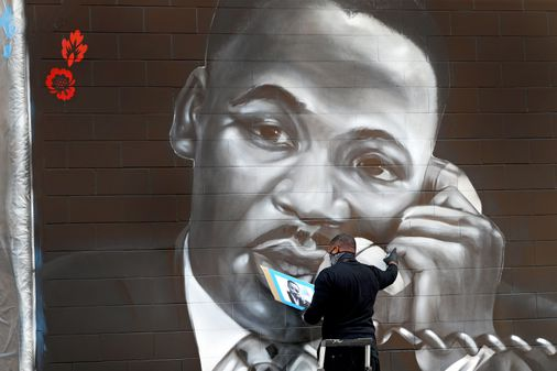 With a new mural, Rob 'Problak' Gibbs honors the Kings' 'Roxbury Love Story'